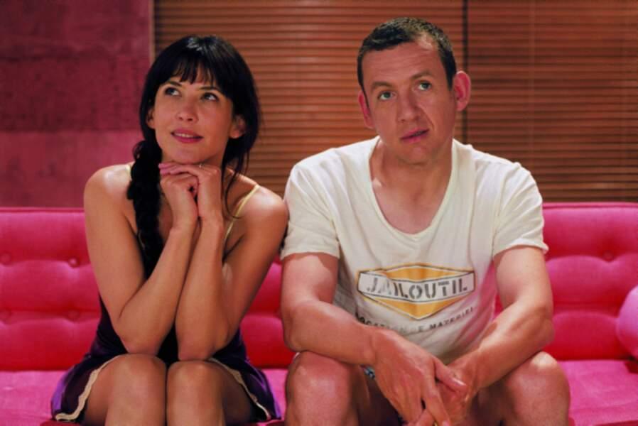 De retour sur les écrans, il échange les rôles avec sa femme Sophie Marceau dans De l'autre côté du lit (2009)