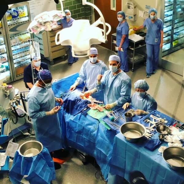 Petite visite en salle d'opération de Grey's Anatomy avec Giacomo Gianniotti