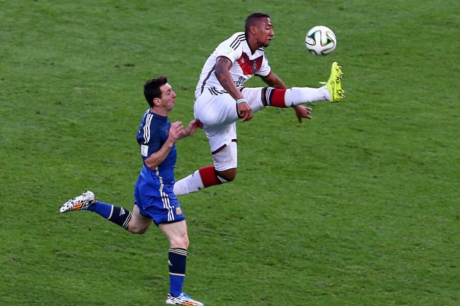 Jérôme Boateng a ravi le ballon à Lionel Messi…