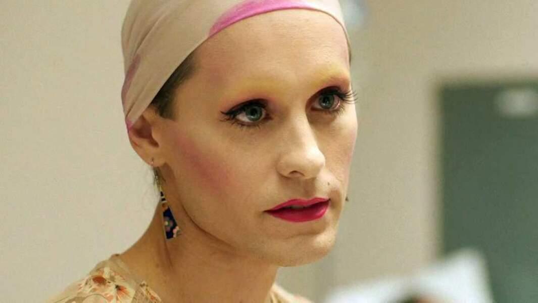 Maquillage, sourcils épilés... T'as le look, coco !