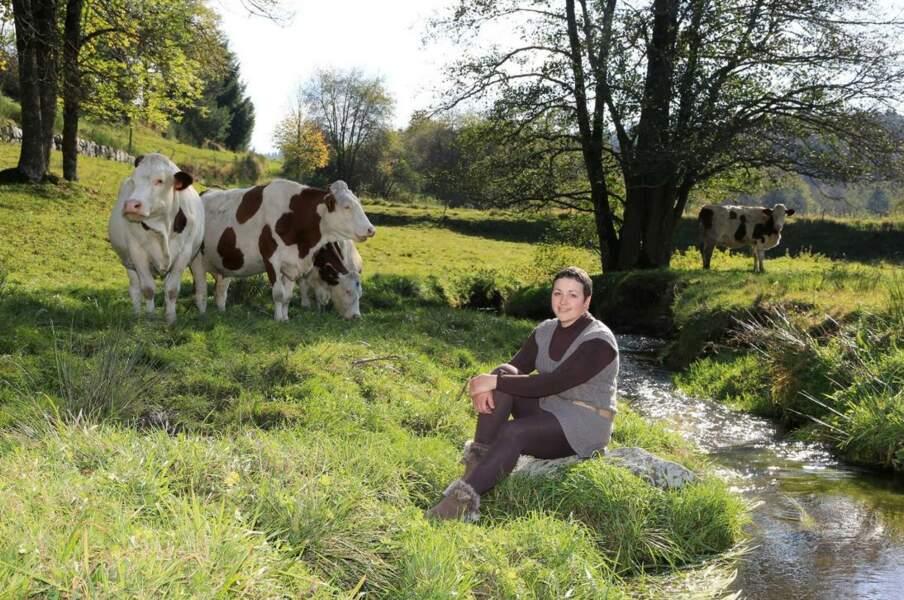 Eva, 25 ans, Rhône-Alpes, éleveuse de vaches laitières et production fromagère