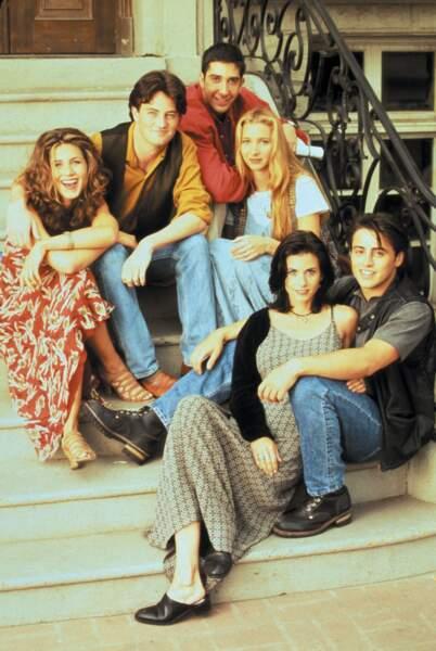 Friends (saison 1 - 1994) : Elle incarne Rachel, jeune femme un brin névrosée