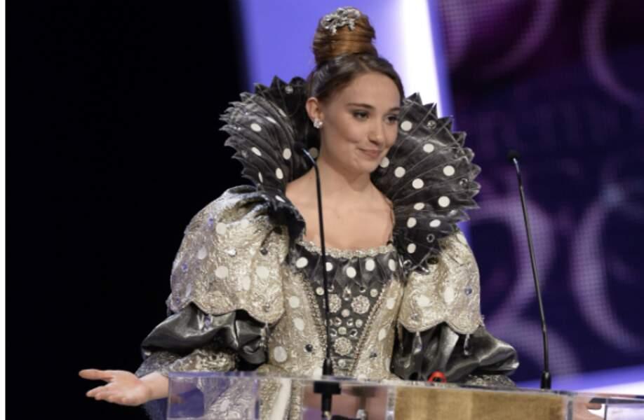 Pour remettre le César du meilleur costume, Déborah François a sorti le grand jeu