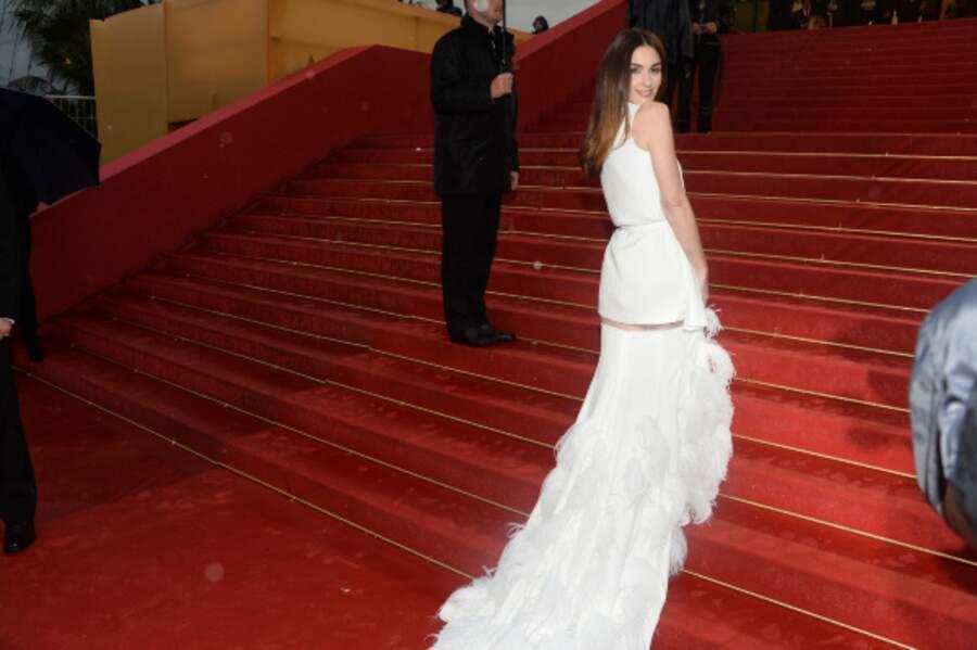 Paz Vega sur les marches de Cannes