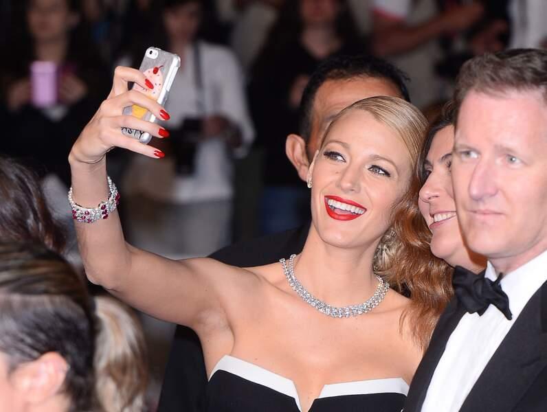 Qui mieux qu'une Gossip Girl peut prendre un selfie ? Blake Lively est une pro à ce jeu là