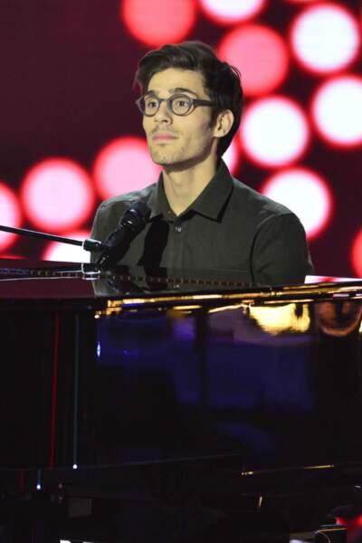 Seul Mika s'est retourné sur Quentin Bruno, 24 ans, qui a repris Wonderwall, d'Oasis, en s'accompagnant au piano