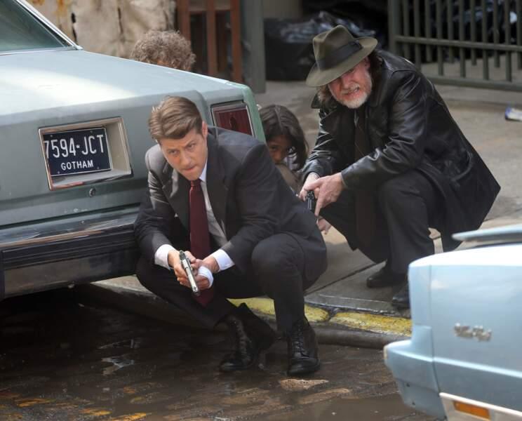 Ben McKenzie et Donal Logue sont en planque sur le tournage de Gotham
