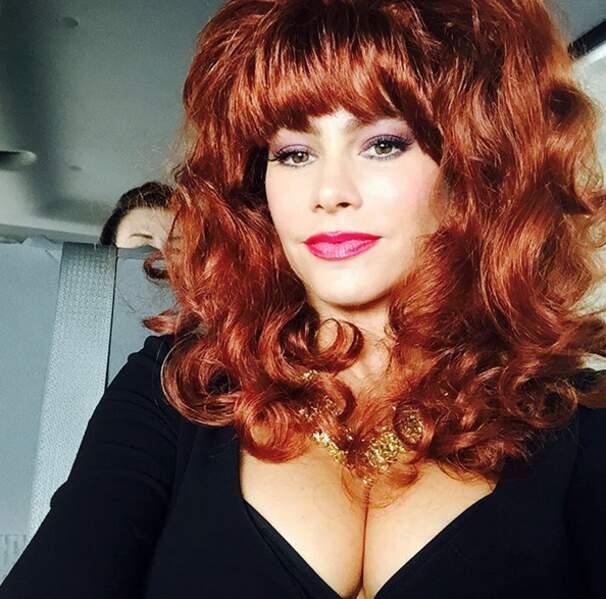 Non, ce n'est pas Peggy Bundy de Mariés, deux enfants, mais Sofia Vergara, grimée...
