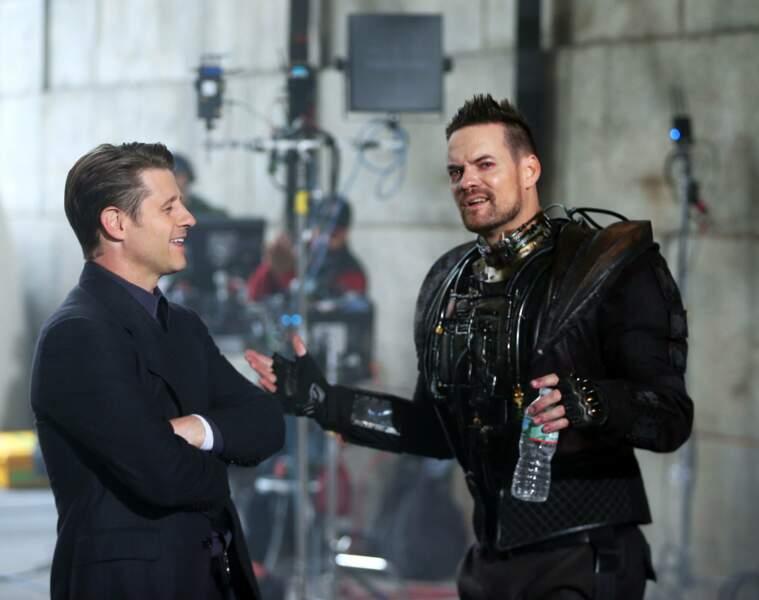 Nouveau venu dans Gotham, Shane West se rafraichît entre deux prises