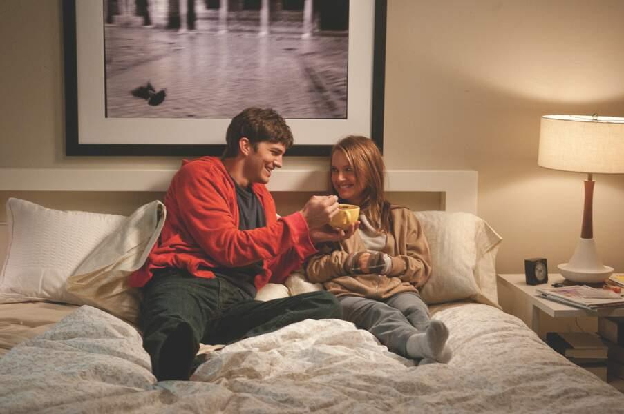 """C'est un peu plus chaud dans """"Sex Friends"""" d'Ivan Reitman (2011). L'actrice joue avec Ashton Kutcher"""