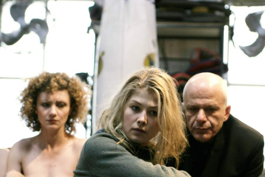 Victime d'un réseau de traite des blanches dans le très dur Terre promise (2004) de l'Israélien Amos Gitaï.