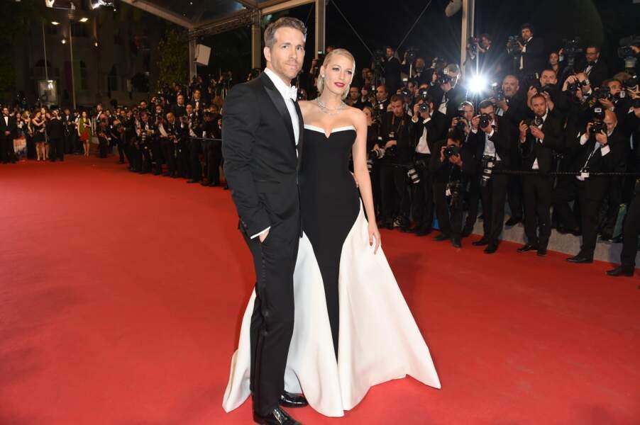 Avec Ryan Reynolds, elle forme un couple glamour (ici à Cannes, en 2014)