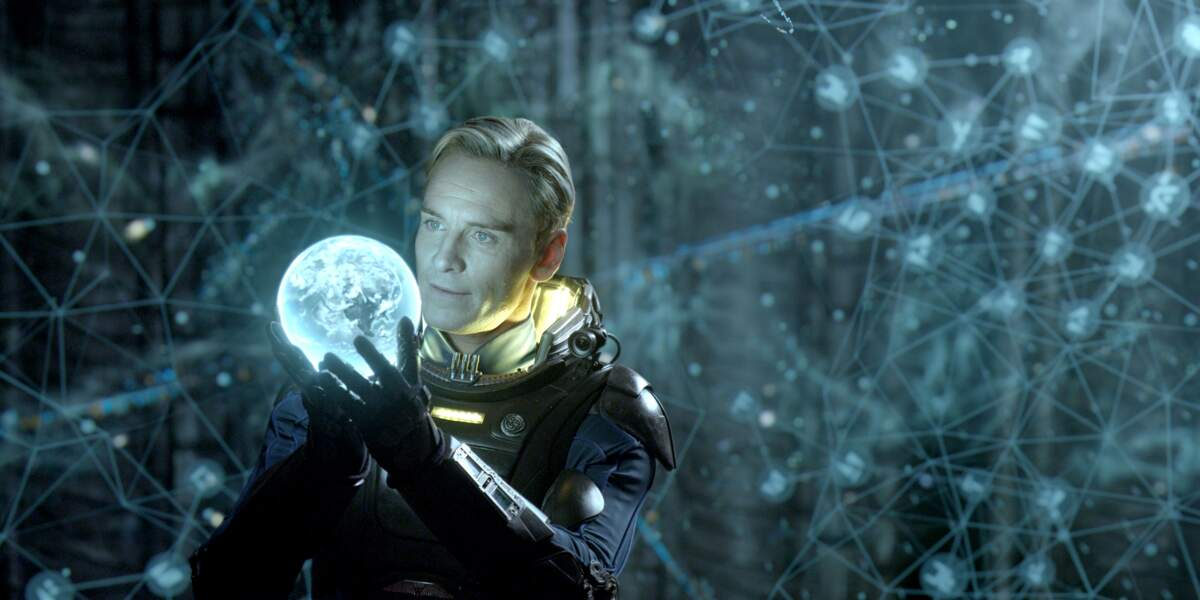 Devant la caméra de Ridley Scott, il incarne l'androïde David (Prometheus)