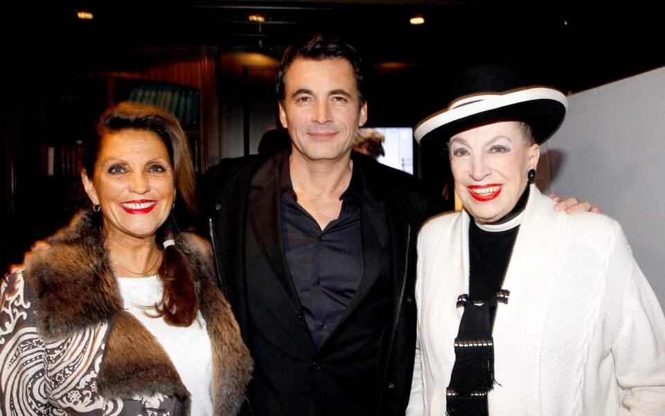 Olivier Minne entouré de la présidente du comité, Christiane Lillio, et de Geneviève de Fontenay