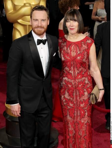 Idem pour la prestigieuse soirée des Oscars où pour l'occasion c'est Adèle sa maman qui est à son bras
