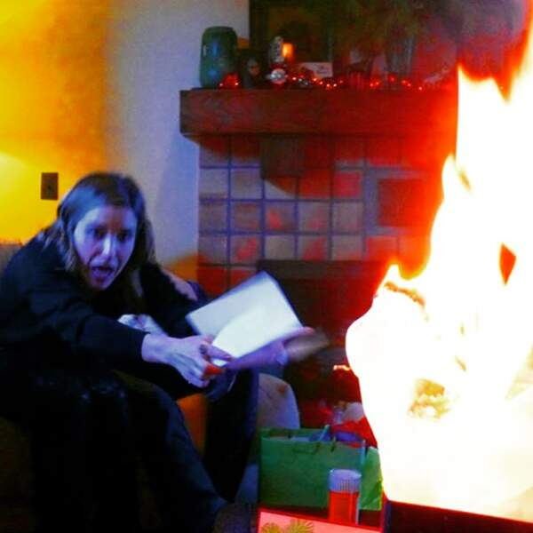 Plus de peur que de mal chez Sophia Bush : le cadeau de sa mère a pris feu !