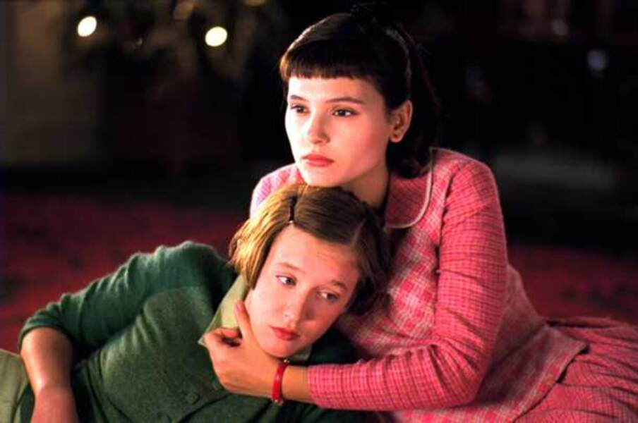 Ludivine Sagnier et Virginie Ledoyen dans 8 Femmes (2002)