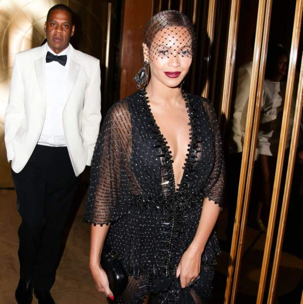 Lorsqu'ils sont de sortie, Beyoncé ouvre la marche.