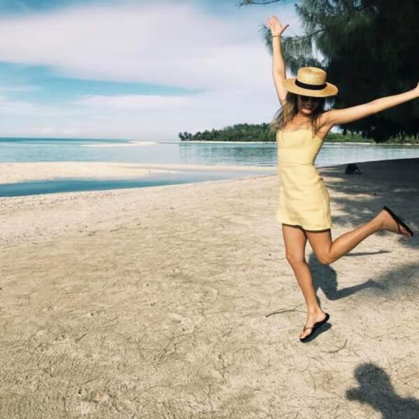 Entre deux tournage, elle décompresse ! Direction les plus belles plages du monde pour du repos bien mérité