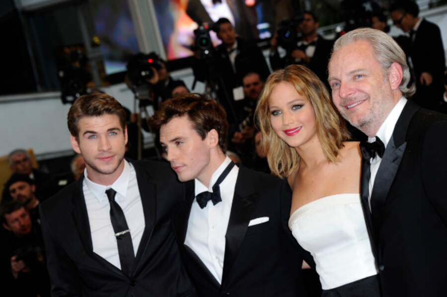 Jennifer Lawrence et Liam Hemsworth avec l'équipe de Hunger Games : l'embrasement