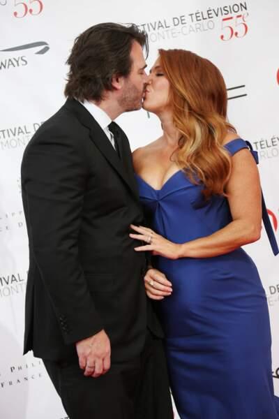 Poppy Montgomery a échangé un tendre baiser avec son mari Shawn Sanford