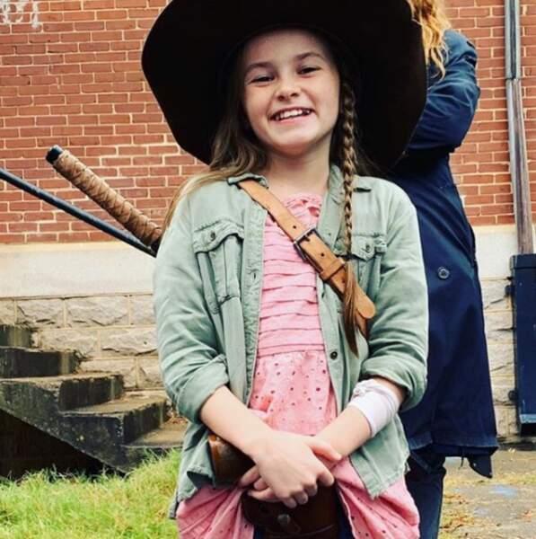 N'est-elle pas craquante ? Voilà Cailey Fleming qui incarne Judith dans cette saison 9 !