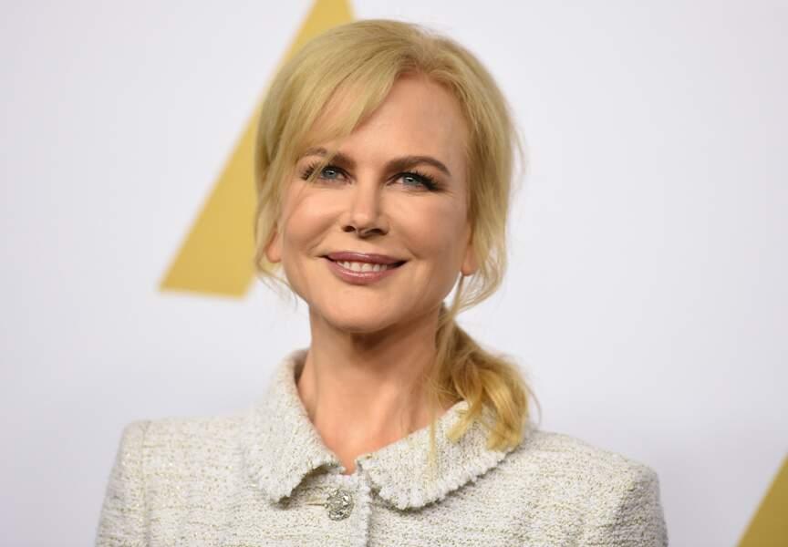 Depuis quelques mois, l'actrice apparaît en public avec le visage bien raffermi... Chirurgie ?