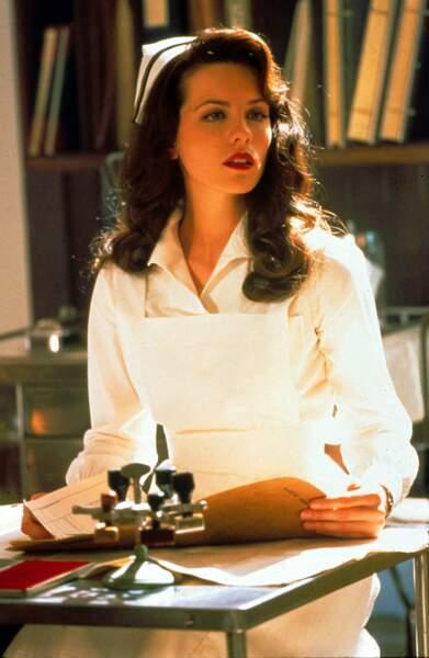 Qui veut une petite piqûre de la part de l'infirmière Beckinsale ?