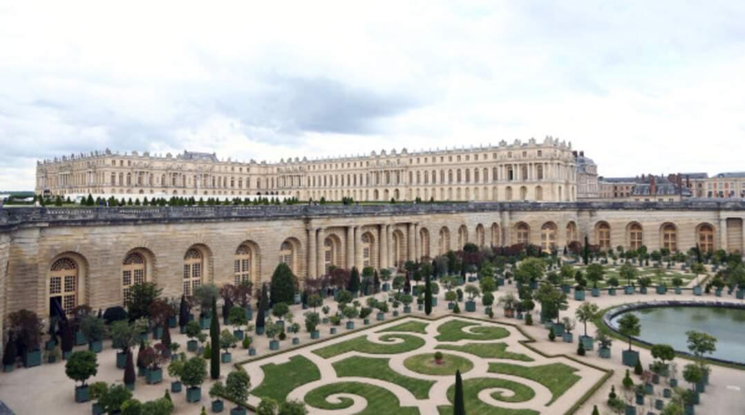 … direction le château de Versailles