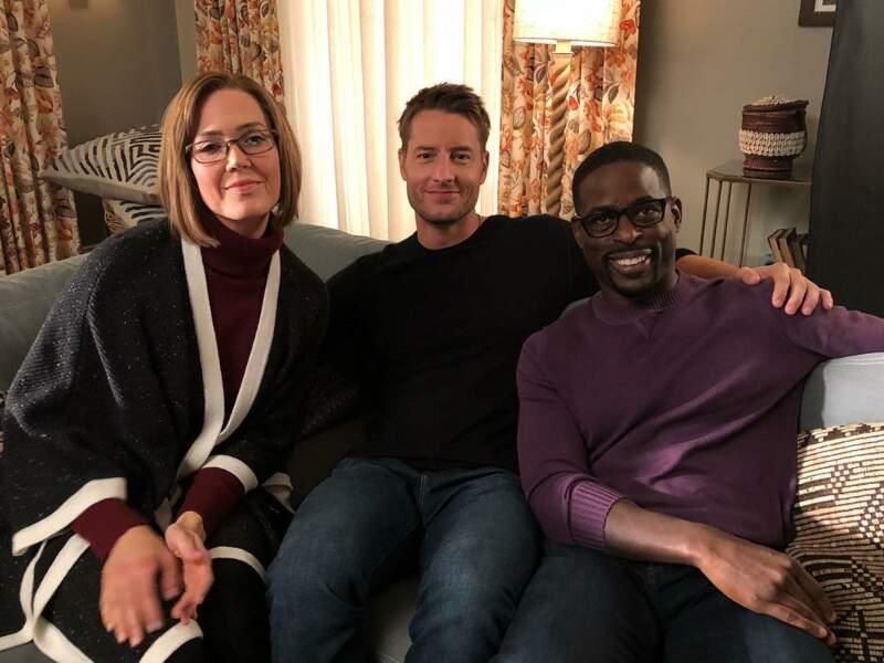 Sur le tournage de This is Us, on prend le temps de poser pour une jolie photo de famille