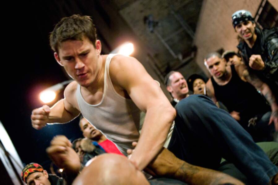 Dans Fighting (2009), le poster boy joue un SDF qui se lance à New York dans des combats de boxe clandestins.