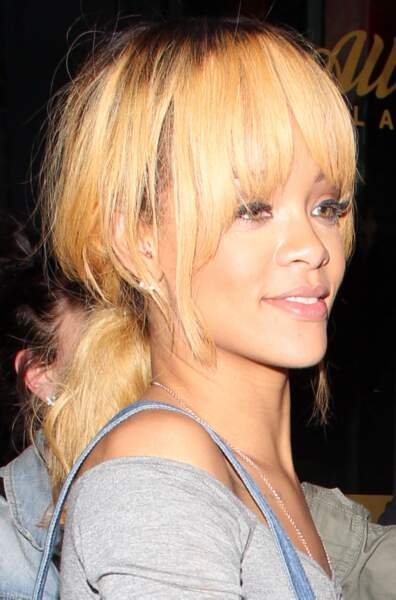 La chanteuse a aussi essayé le blond !