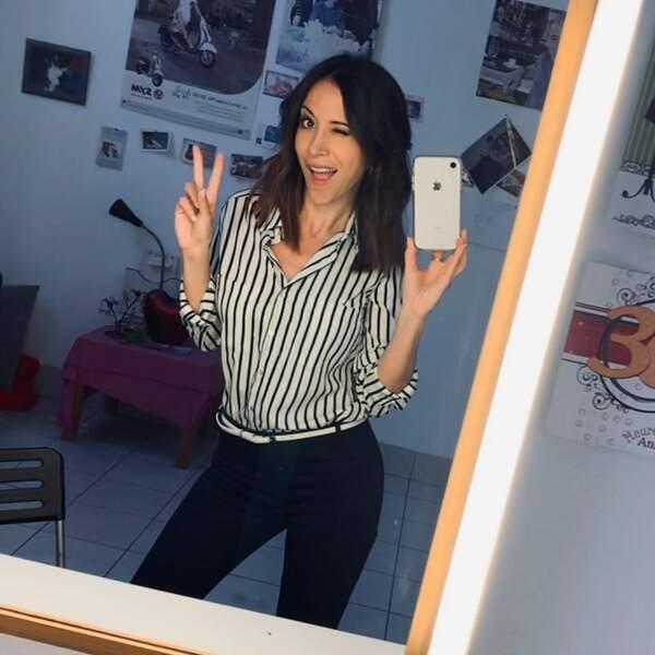 Suivie par le clin d'oeil de Fabienne Carat, sa partenaire de tournage !