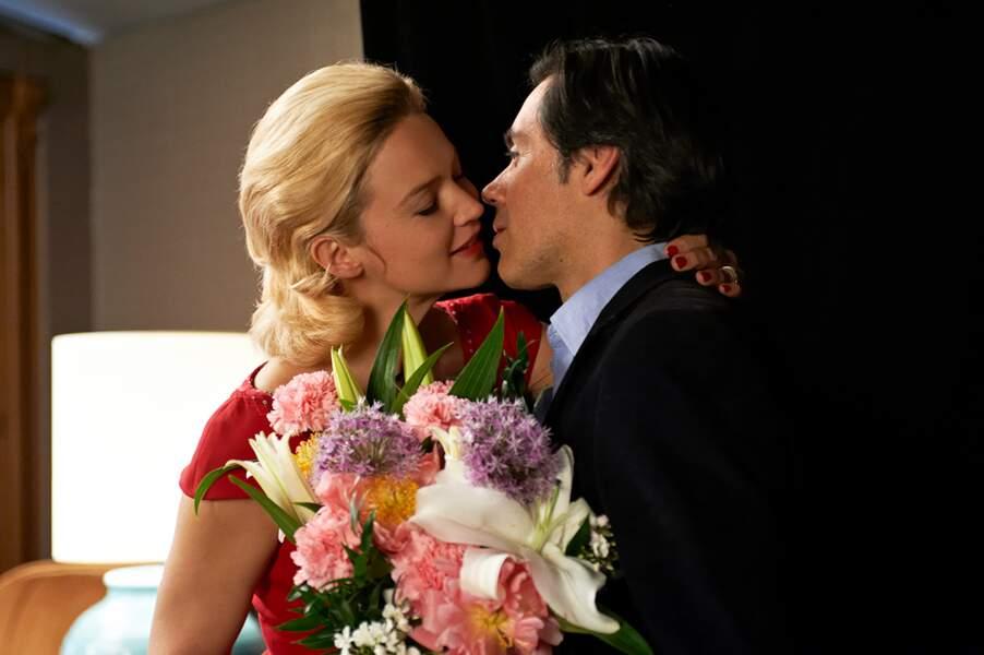 Elle reprend la comédie romantique avec Caprice, de et avec Emmanuel Mouret.