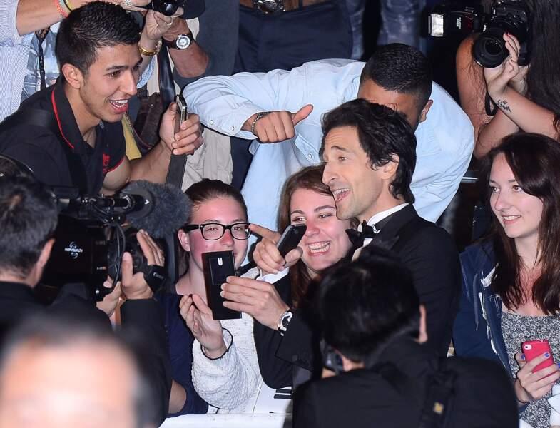 Adrien Brody au milieu de ses fans