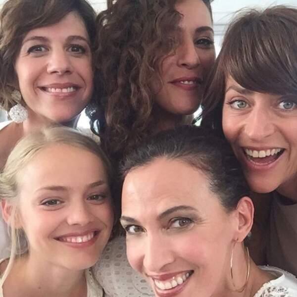 Magnifique selfie et bel instant de complicité entre les filles de Demain nous appartient.