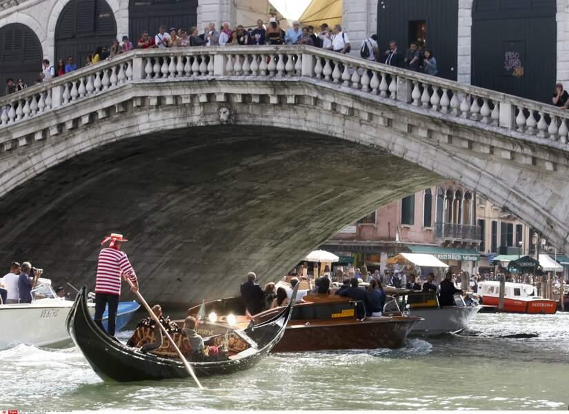 Même sur le Grand Canal, difficile d'échapper aux papparazzi