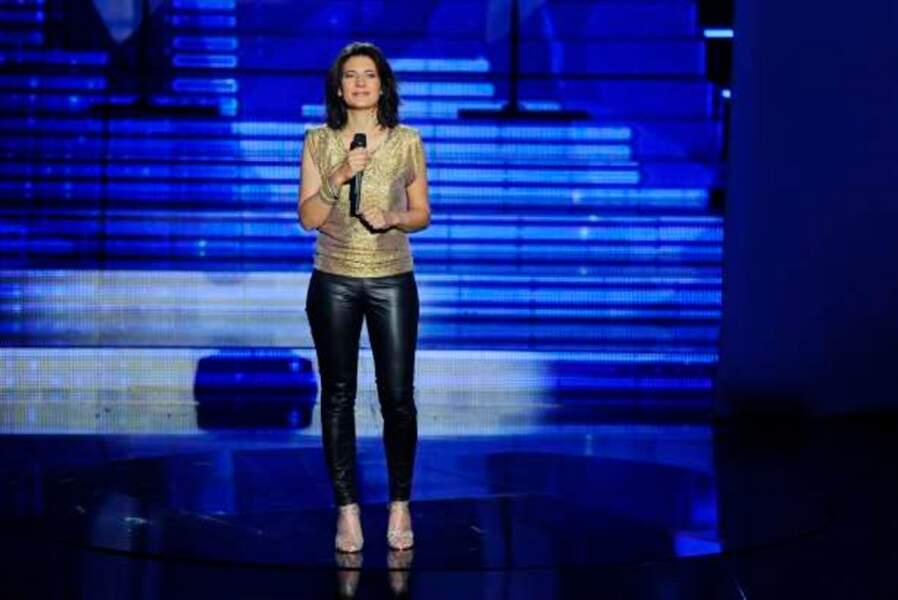 Estelle Denis présente l'émission sur TF1