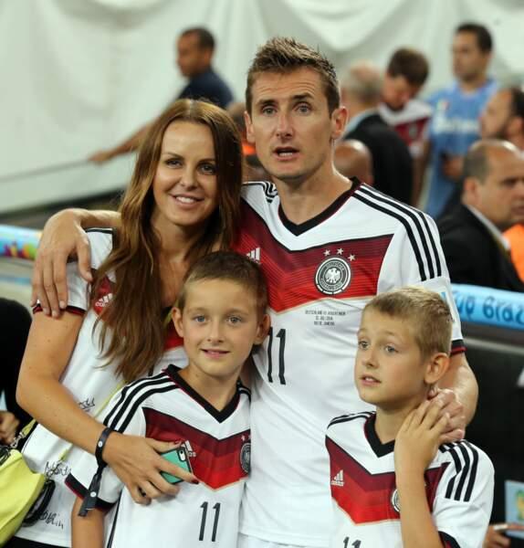 Miroslav Klose a fêté sa victoire avec Sylwia et leurs enfants…