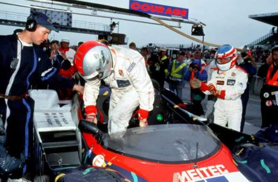 En 1995, Mario Andretti a couru avec les français Eric Hélary et Bob Wollek