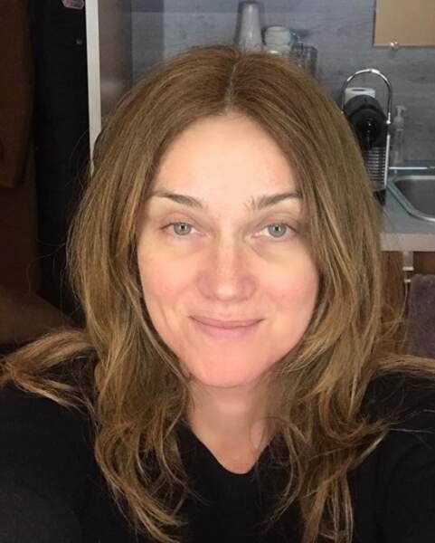 Marine Delterme avant sa séance de maquillage pour Alice Nevers