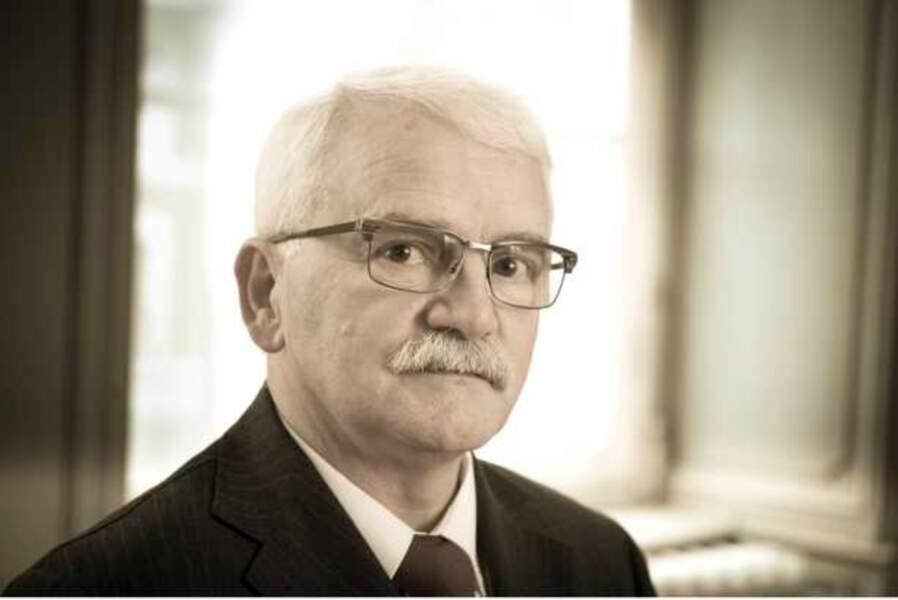Monsieur Bignan, le directeur du Pensionnat et Superviseur de la ferme