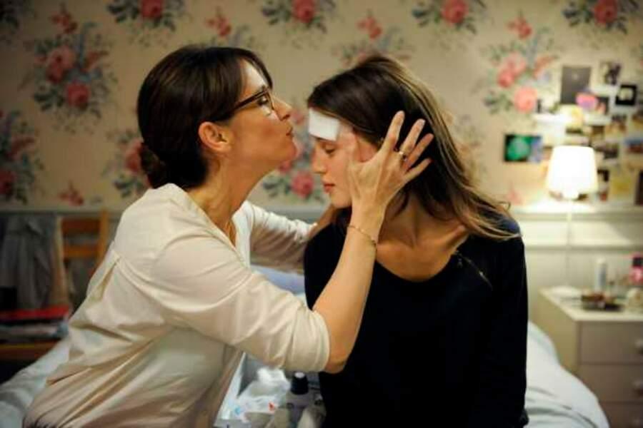 Marine Vacth et Géraldine Pailhas dans Jeune et jolie (2013)