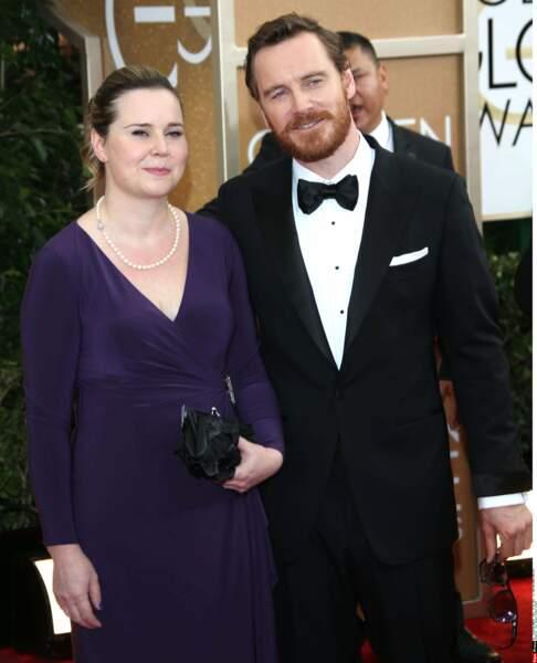 Aux Golden globes, Michael Fassbender est accompagné de sa grande soeur Catherine