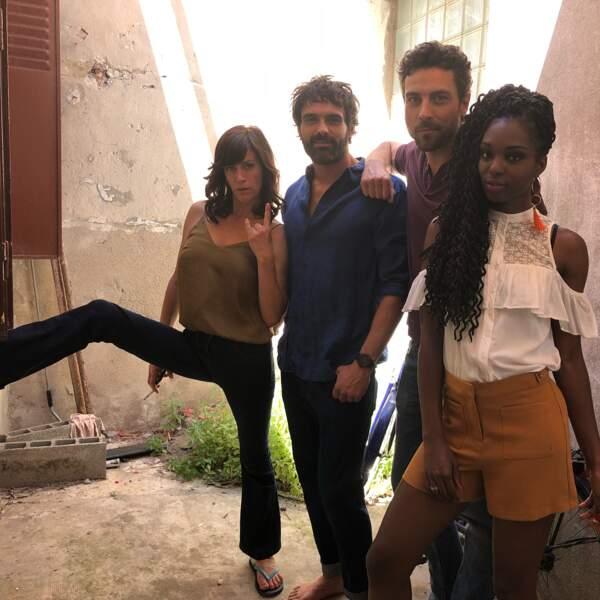 Sandrine Salyeres prend la pose avec ses camarades de jeu Cyril Garnier, Benjamin Beauvais et Anne Caillon