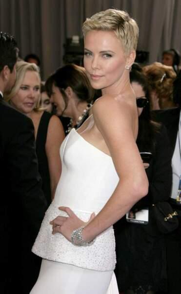 ... en robe Dior