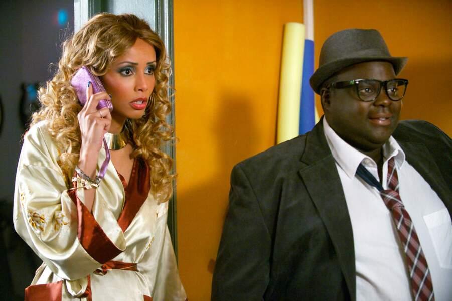 La bimbo à la tête d'un gros label de hip-hop va humilier Chloé