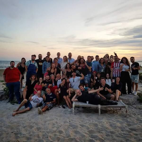 Un soir sur la plage de Montpellier, toute l'équipe d'Un si grand soleil a fêté l'anniversaire de Mélanie Maudran