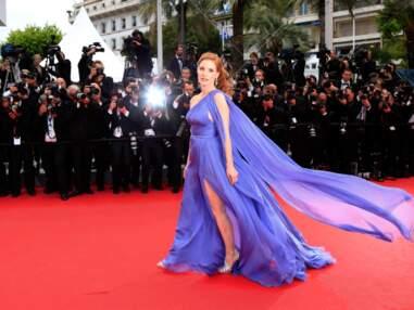 Jessica Chastain et Carole bouquet victimes du vent sur les marches de Cannes