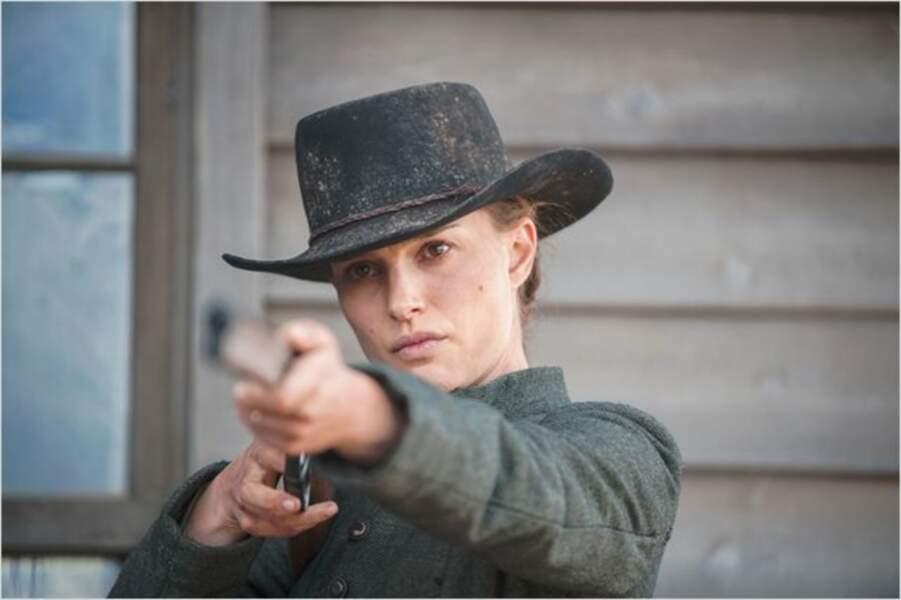 """Elle est aventurière dans """"Jane Got a Gun"""" de Gavin O'Connor (2016). Et ça lui va plutôt bien"""
